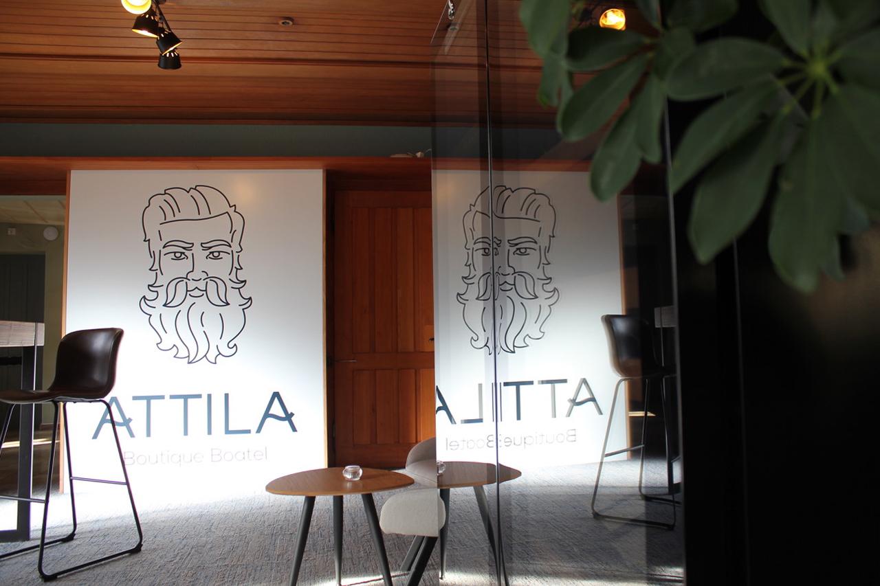Ouverture de l'Attila Lounge 1